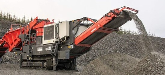 Sandvik QH441 Mobile cone crusher working on hard rock