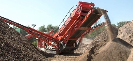 Sandvik QA441 Mobile Doublescreen in recycling