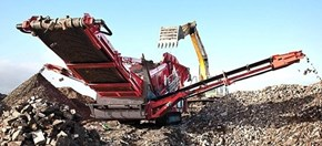 Sandvik QE441 Mobile scalper separating recycled material