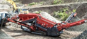 Sandvik QE241 Mobile scalper separating recycled material