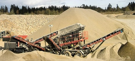 Sandvik UF320 Wheeled screen