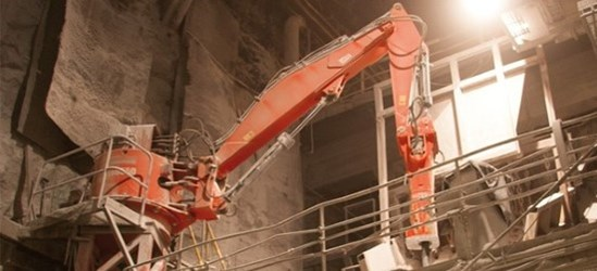 Sandvik Medium range breaker booms