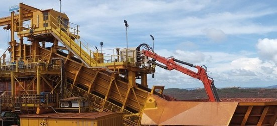 Sandvik Large range breaker booms