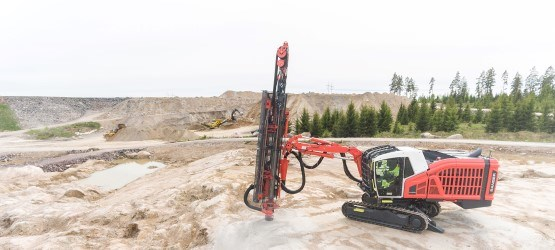 Ranger DX900i surface top hammer drill rig — Sandvik Mining