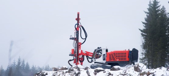 Tiger DG810 Surface tophammer drill rig