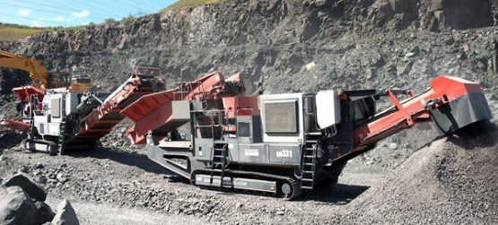 Sandvik QJ341 Mobile jaw crusher and QH331 Mobile cone crusher working in limestone