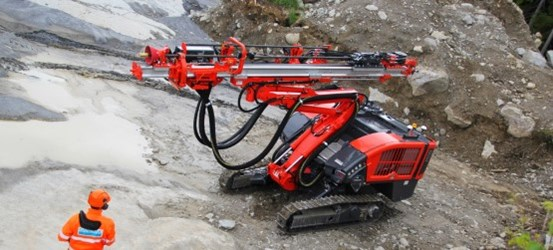 Dino DC400Ri Surface tophammer drill rig