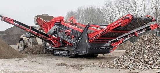 Sandvik QE441 Free Flow Mobile scalper separating recycled material