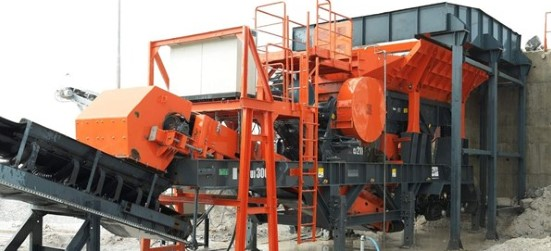 Sandvik UJ300 Wheeled jaw crusher